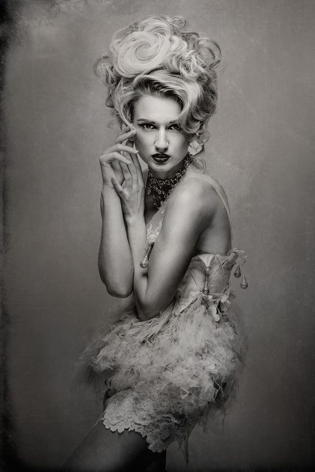 Yana Martens fashion posing workshop