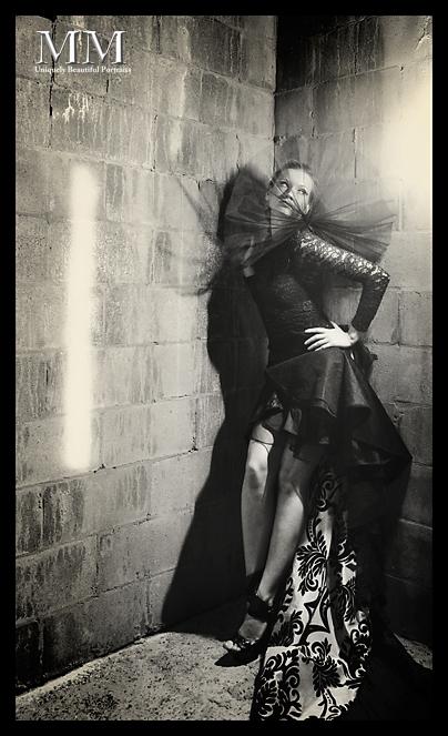 Yana Martens posing photography workshops