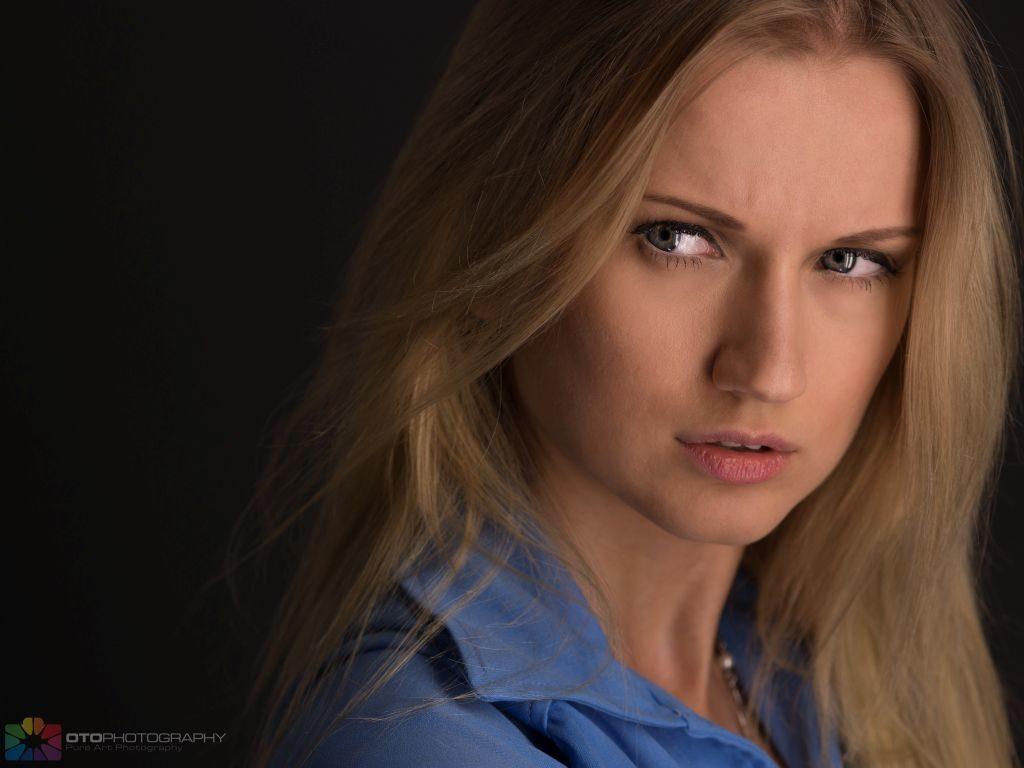 Yana Martens photography posing Workshops