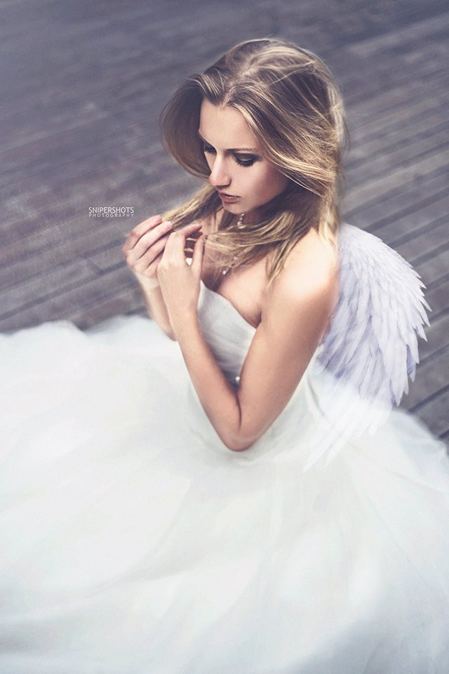 Yana Martens Bridal workshop posing