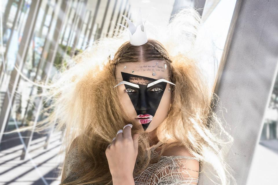 Yana Martens make up