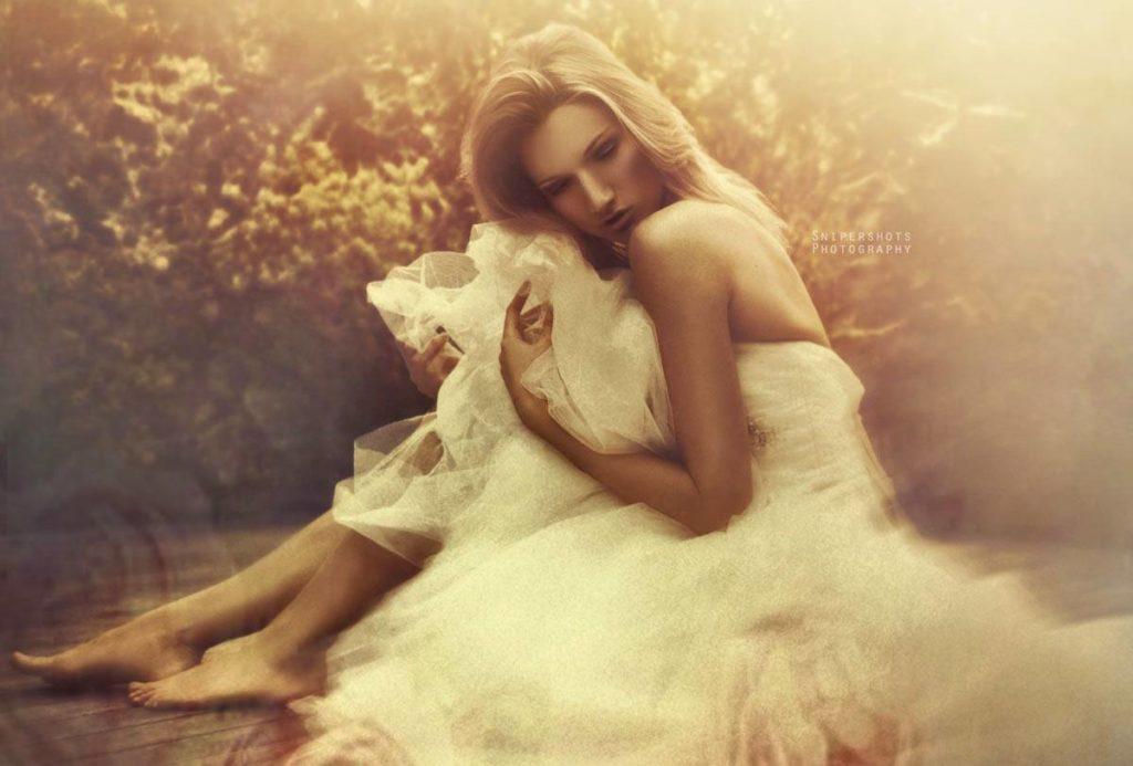 Yana Martens posing Bridal workshop