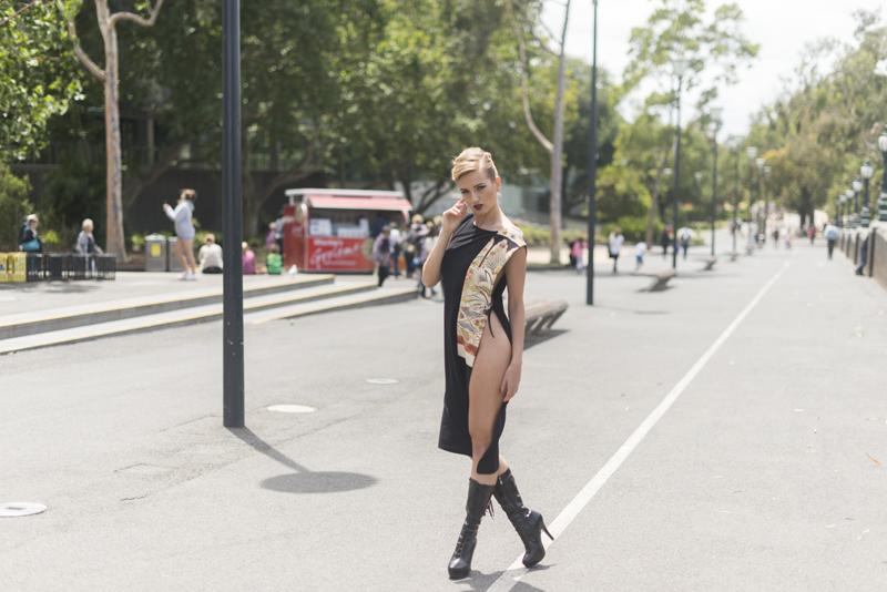 Yana Martens posing workshop